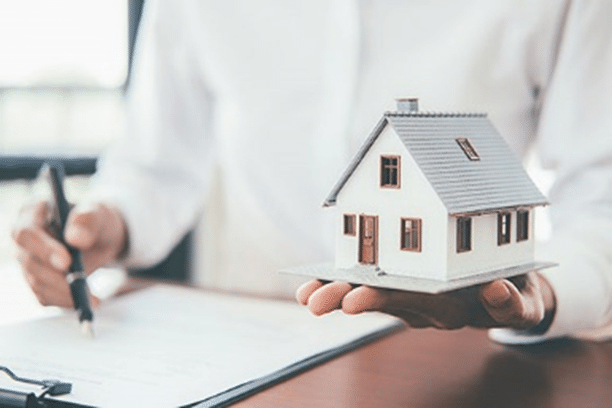 You must consider several things when you're buying a home, and insurance is one of them. Here is a complete guide on the topic for your help.